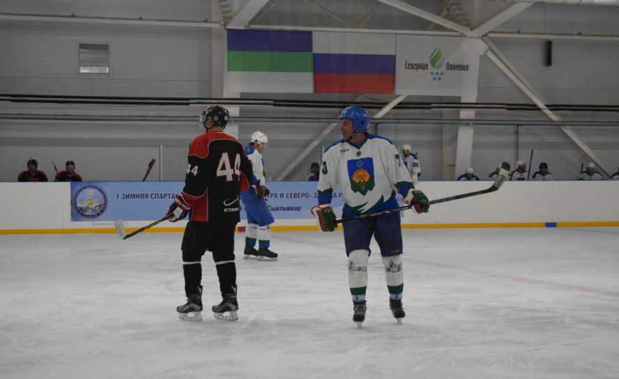 Приглашаем на хоккейные матчи в Ледовой арене