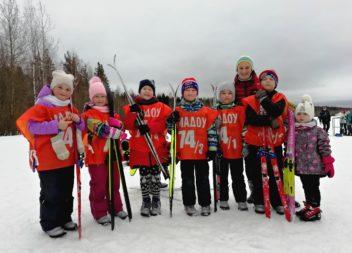 Эжвинские детские сады соревновались на «Лыжне дошколят»