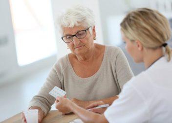Работающие граждане старше 65 лет, выбравшие режим самоизоляции, смогут получить больничный с 6 по 19 апреля