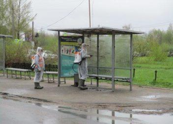 В Эжве продолжается санобработка автобусных остановок