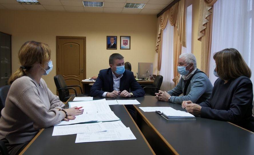 Руководитель проводит встречи с общественниками