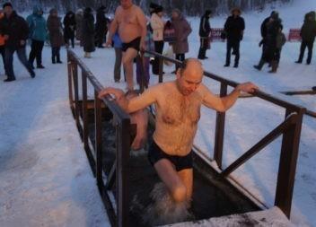 В Эжве идет подготовка к Крещенскому купанию